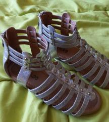 Sandalice br. 33