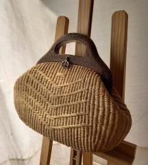 Vintage slamnata torba s drvenom ručkom