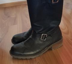 Rieker crne čizme od prave debele kože