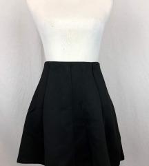 Crna mini suknja s lastikom