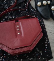 Crossbody burgundi torba/prava koža