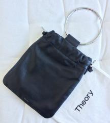 THEORY crna kožna torbica.