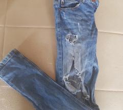Zara traperice nošene