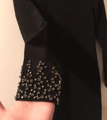 Elegantna haljina sa cirkonima na rukavima