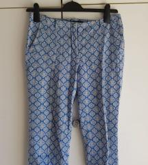 ZARA plave hlače s printom 38/M