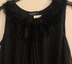 Crna leprsava plisirana haljina