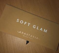 Paleta sjenila  za oči soft glam