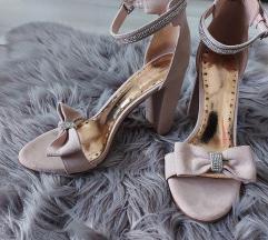 Roza sandale na blok petu