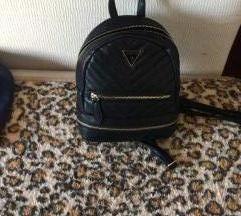 crni mini ruksak