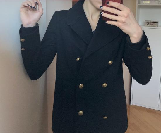 Zarin crni kaput