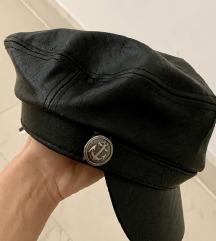nova kapa bershka od umjetne koze