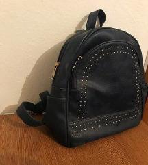 Tamno plavi ruksak