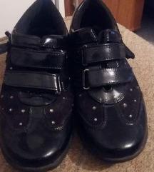 cipele br 35
