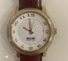 Moschino sat