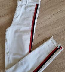 Nove Zara bijele traperice