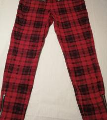 Crvene karirane hlače Mango