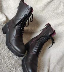 Zara nove cizme br. 40