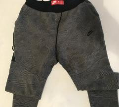 Nike dugačke hlače