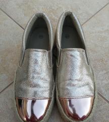 Zlatne slip-on cipele
