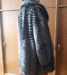 Siva bunda od umjetnog krzna