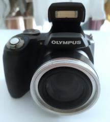 Olympus SP-590UZ digitalni fotoaparat