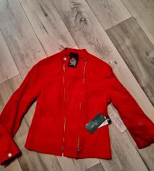 Crvena jakna iz Heruc Galerije 500 kn