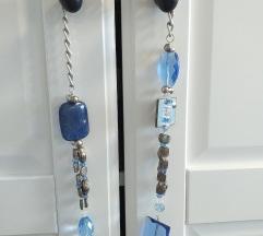 Atraktivna plava ogrlica