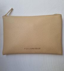 Nova kozmetička torbica