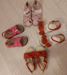 Lot sandalica 27 novo
