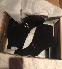 Asos crne kožne čizme na petu 39