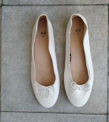 H&M bijele balerinke