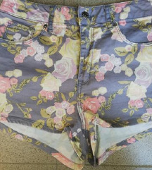 %% H&M Kratke hlače, jako visoki struk