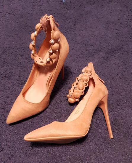 Nove sandale štikle