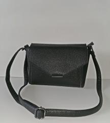 Deichmann - crna torba sa velikim remenom