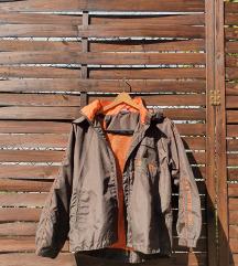 Jesenska jakna smeđa