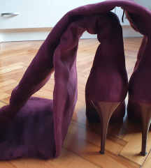 Čizme iznad koljena