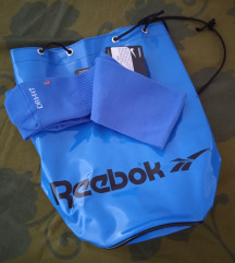 Reebok ruksak i poklon čarape Nike