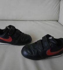 Nike tenisice za curicu vel 25