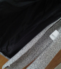 Novi sivi kaput s etiketom 36-38