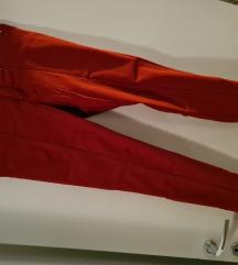 Svečane crvene hlače