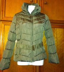 Zara pernata jaknica S(u cijenu uključen Tisak)