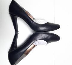 Crne kožne štikle cipele na petu 40