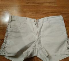 Bijeke hlače 38
