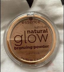 Essence bronzing powder