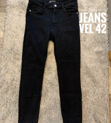 Zara jeans vel 42