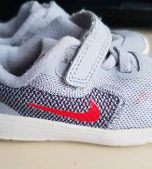 Nike vel.22