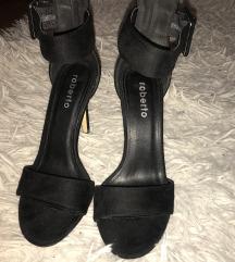 Crne sandale na petu 37