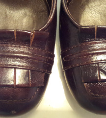 Kožne cipele s petom