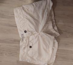 Kratke hlačice 20kn ili