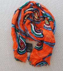 Zara šal/marama s etiketom